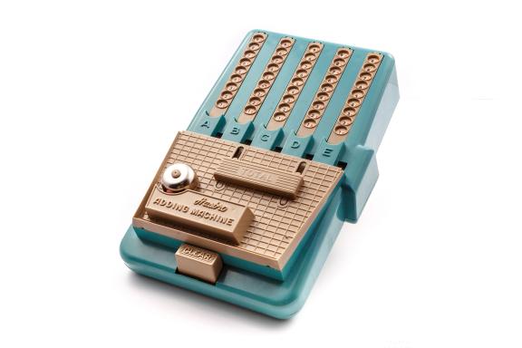 Calculadora educativa Hasbro Adding Machine