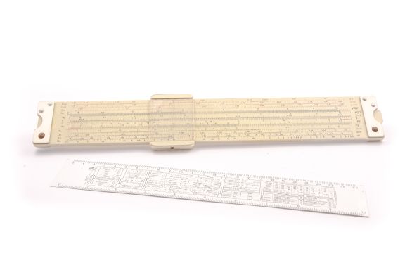 Regla de cálculo FABER CASTELL 2/83 Log Log Duplex
