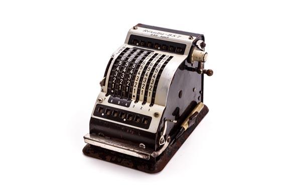 Calculadora mecánica RESULTA BS7