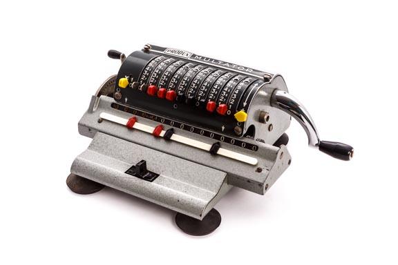 Calculadora mecánica MULTATOR II