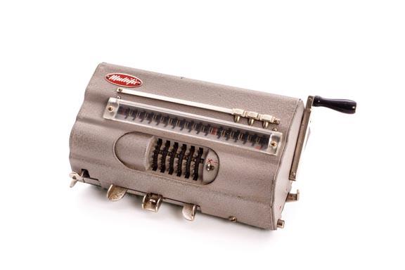 Calculadora mecánica MULTIFIX