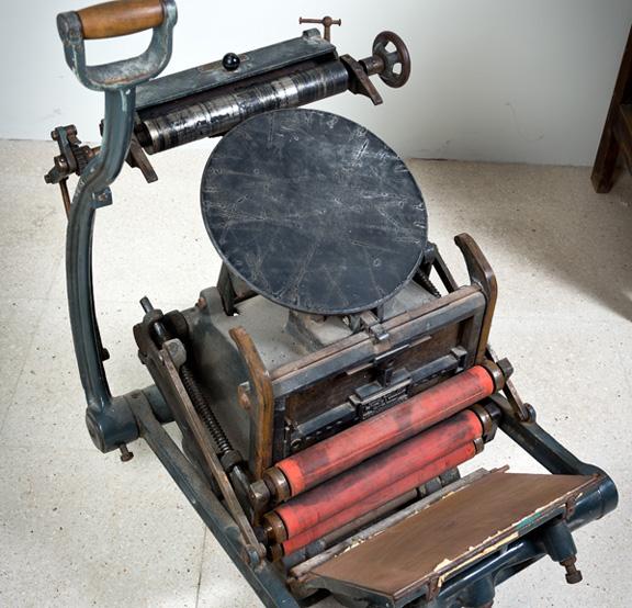 Imprenta tipográfica Minerva Boston de platina